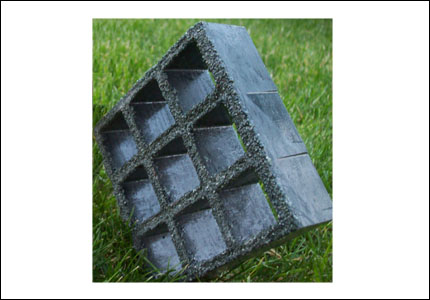 Plastic grating with fiber glass with anti-slip coating